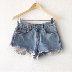 Levi's 550 Relaxed Cutoff High Rise Jean Shorts 28